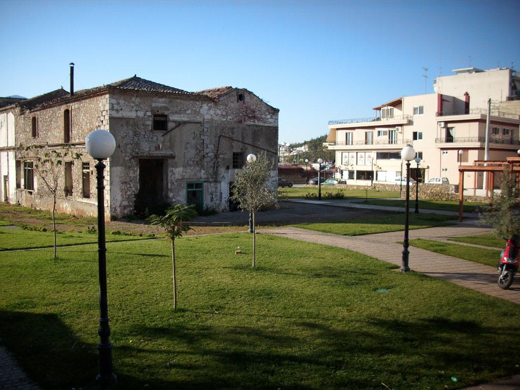 Διαμόρφωση Κοινοχρήστου Χώρου και Αποκατάσταση Παλαιού Κτιρίου έναντι Ι.Ν. Αγίας Παρασκευής